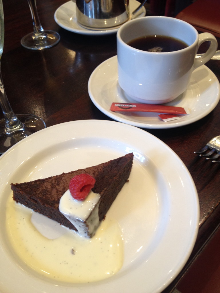 Chocolate dessert at Le Sélect Bistro